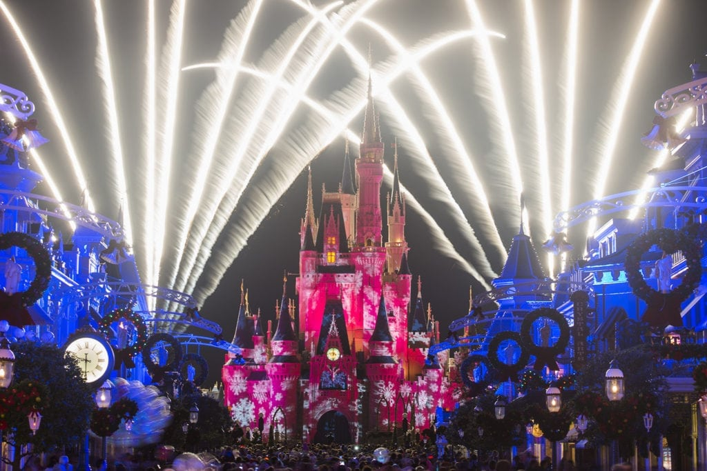 Mickey's Very Merry Christmas Party Holiday Wishes