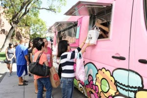 Hello-Kitty-Cafe-Truck-Tampa